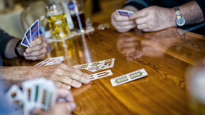 Kartenspieler in Kößlarn, 2017