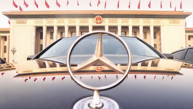 Volkskongress Mercedes-Stern; Geely Illu