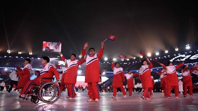Paralympics: Was die Bilder der Eröffnungsfeier und der gefeierte Einlauf der nordkoreanischen Delegation verändern, wird sich erst zeigen, wenn die Flamme wieder erloschen ist.