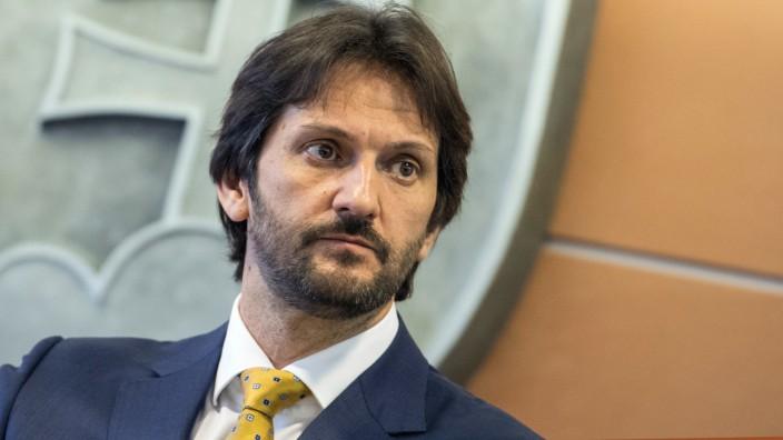 Robert Kalinak, Innenminister der Slowakei, tritt im Zuge des Journalistenmords an Ján Kuciak zurück.