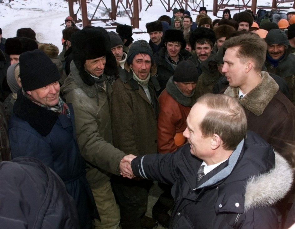 ACTING PRESIDENT PUTIN MEETS WITH WORKERS IN SURGUT