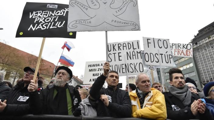 Demonstration wegen getötetem Jan Kuciak in Bratislava