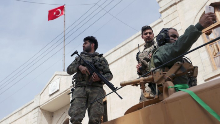 Turkish forces and Free Syrian Army are deployed in Afrin