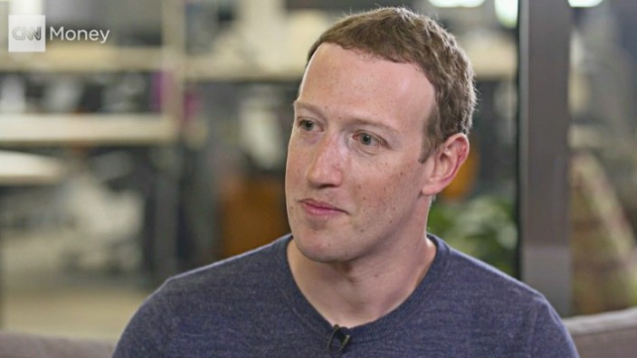 Facebook-Gründer Mark Zuckerberg in einem CNN-Interview am 21. März 2018 - Zuckerberg räumte Fehler im Zuge des Datenskandals ein.