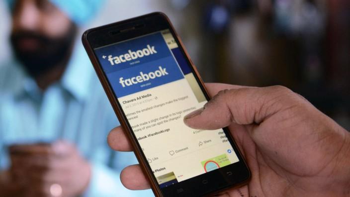 Privatsphäre: Die Nutzer geben Facebook und anderen Dienste oft freiwillig sehr vielen Daten.