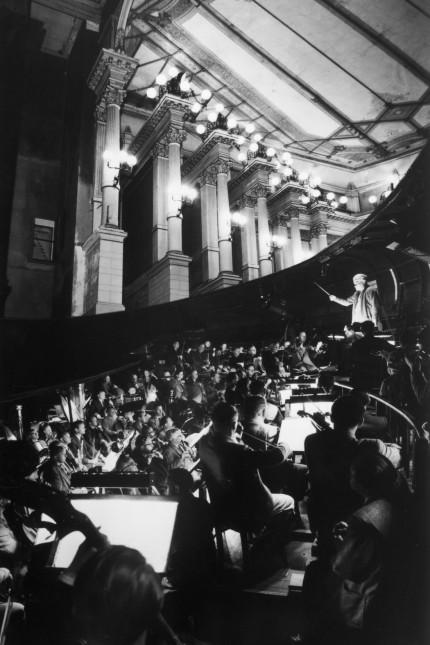 Blick in den Orchestergraben im Festspielhaus von Bayreuth
