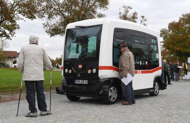Autonom fahrender Bus im öffentlichen Nahverkehr