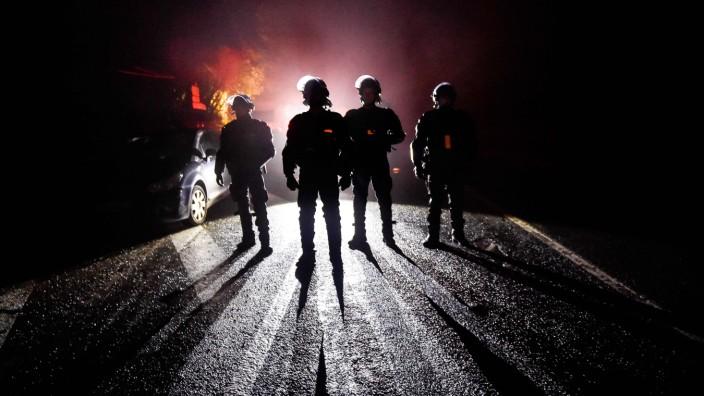 Polizei in Frankreich: Vielleicht ist es besonders schwer, Schwäche einzugestehen, wenn man stark sein soll. Frankreichs Polizei jedenfalls steckt in der größten Krise seit Jahrzehnten.