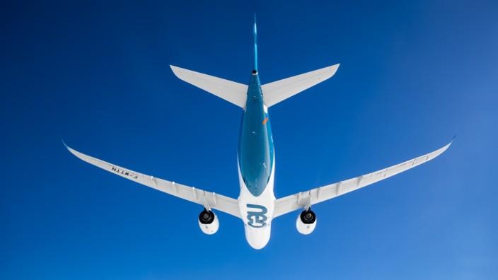 Luftfahrt: Der Airbus A 320 neo verkauft sich bestens, neue Versionen sollen nun aber warten, bis die Produktionsprobleme gelöst sind.