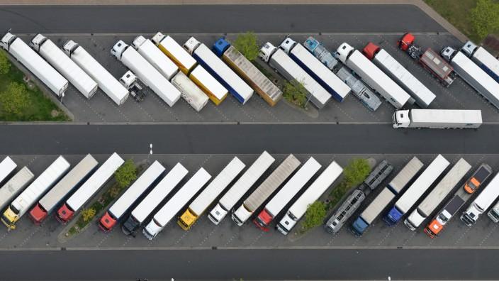 Lastwagenfahrer händeringend gesucht - Alterschnitt steigt