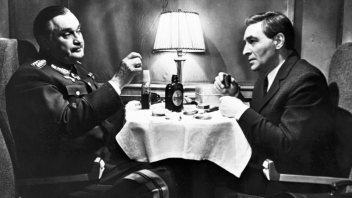 Vyacheslav Tikhonov as Stirlitz right and Nikolai Gritsenko as the General Fellow Traveller in the TV series Seventeen Moments