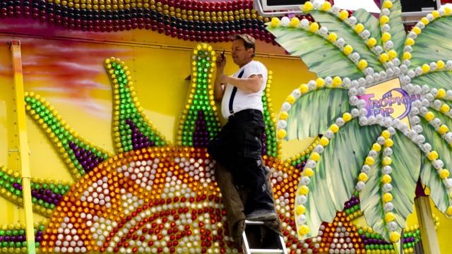 Aufbau Volksfest Grafing