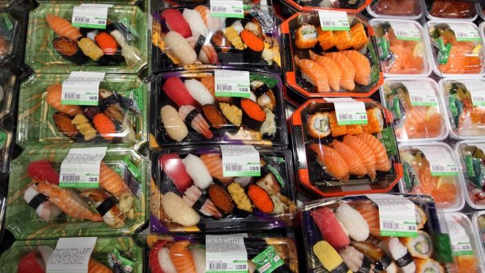 12 12 2009 Hong Kong Hongkong China Abgepacktes Sushi QF Südostasien Asiatische Küche Ernä