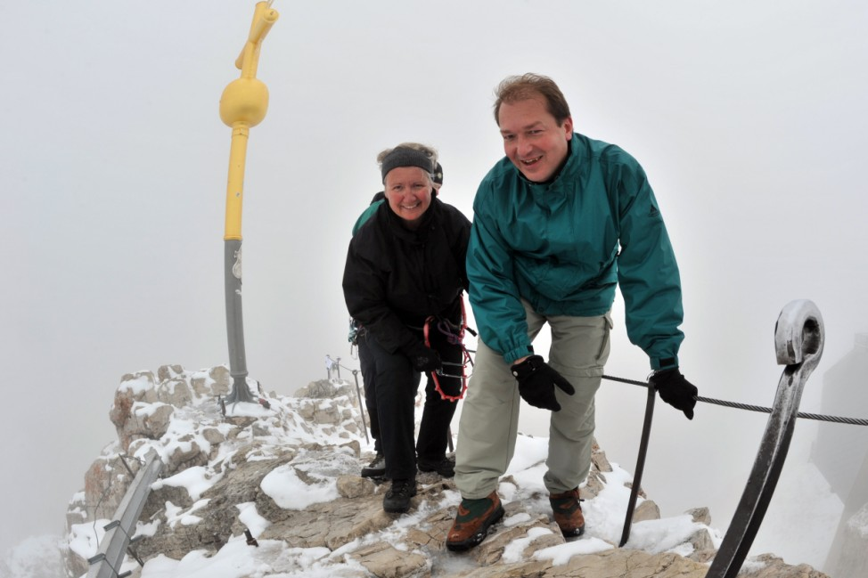 Annette Schavan besteigt Zugspitze
