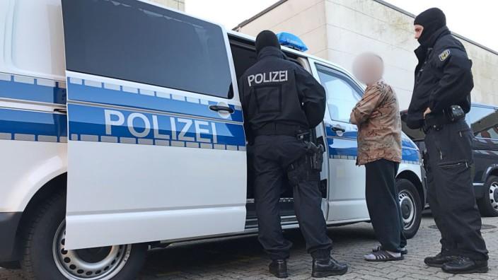 Bundespolizei: Erkennungsdienstliche Behandlung von Beschuldigten in Hamburg