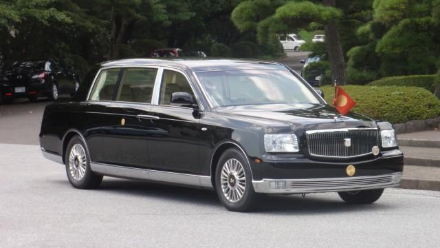 Der Toyota Century Royal von Shinzo Abe