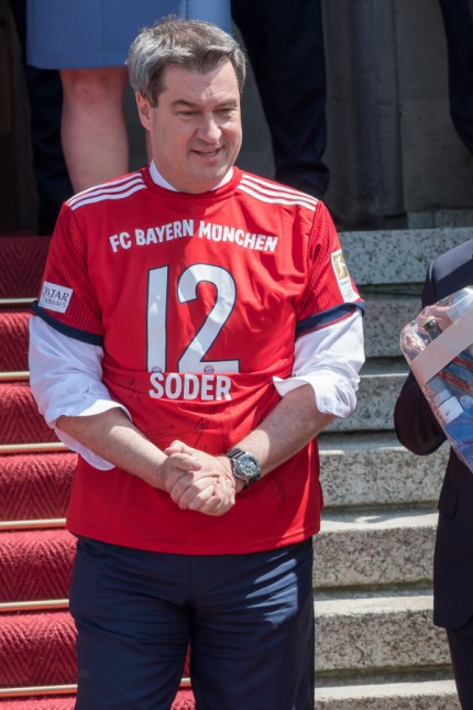 Ministerpräsident Söder ehrt FC Bayern