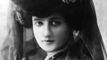 Elise Roche aka Raymonde de Laroche