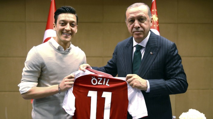 Mesut Özil bei einem Fototermin mit Recep Tayyip Erdogan
