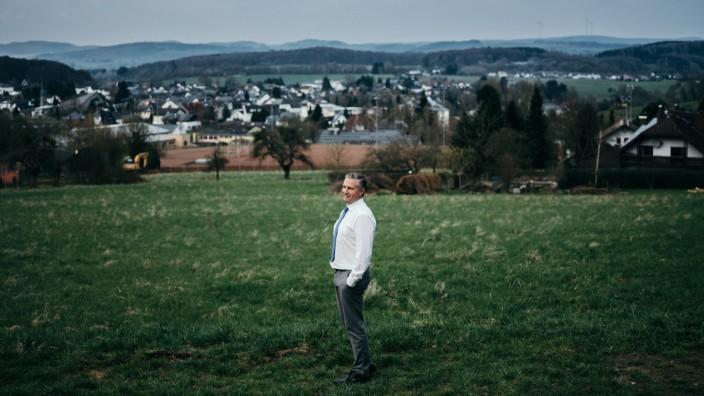 Landflucht: Klaus Lütkefedder ist einer von hier, das hat ihm bei seinem Vorhaben geholfen.