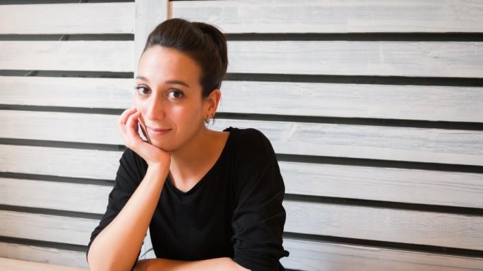 Sandra Bejarano ist eine Künstlerin aus München