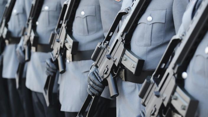 """Bundeswehr: Soldaten mit dem Sturmgewehr """"G36"""""""