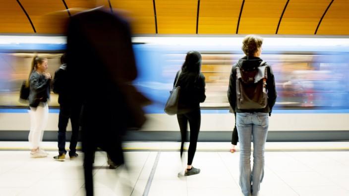 MŸnchen: Verkehrs-Chaos / Pendler-Problem / Berufsverkehr / MVV