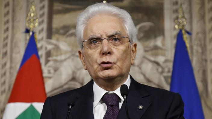 Sergio Mattarella, Italien