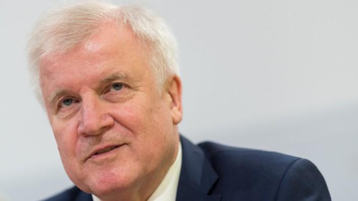 Innenminister Seehofer besucht Sachsen