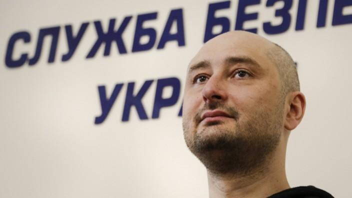 Russischer Journalist Babtschenko lebt