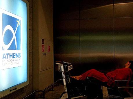 Übernachten auf dem Flughafen: Athen, Reuters