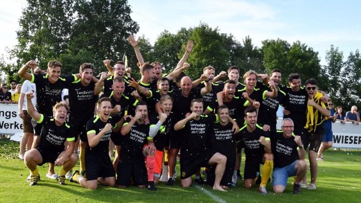 Fußball: Comeback nach 32 Jahren: Der FC Moosinning ist zurück in der Fußball-Landesliga.