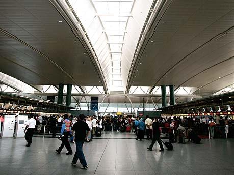 Übernachten auf dem Flughafen: