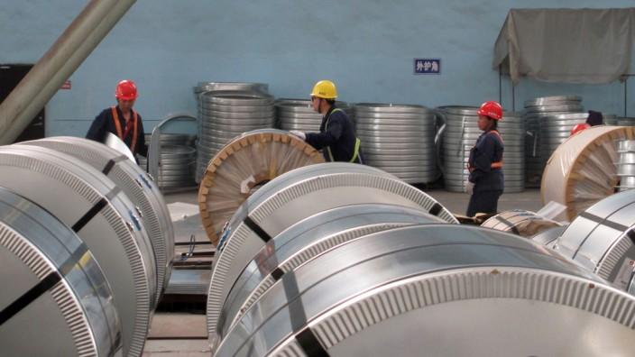 Stahlarbeiter im chinesischen Zhangjiagang - im Handelsstreit mit den USA um Strafzölle ist China um Deeskalation bemüht.