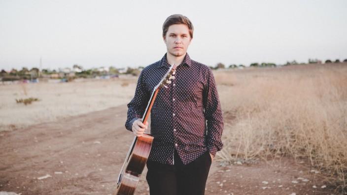 """""""The Italian Recital"""": Der 27-jährige Daniel Marx ist in Dorfen aufgewachsen und dort ins Gymnasium gegangen. Mit sieben Jahren hat er bei Peter Hackel in der Kreismusikschule mit Gitarrenunterricht begonnen."""