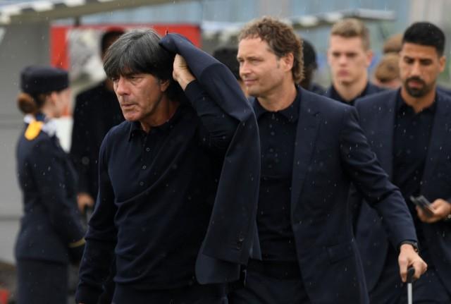 Abflug deutsche Mannschaft nach Russland