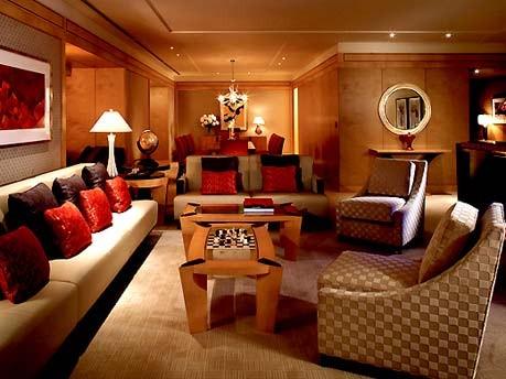Bescherden von britischen Urlaubern, Ritz Carlton Tokio