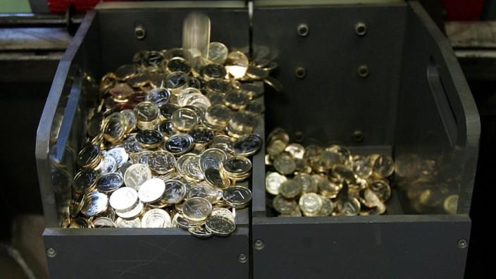 Griechische Euro-Münzen werden in Athen hergestellt.