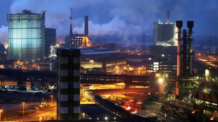 Stahlwerk von ThyssenKrupp in Duisburg