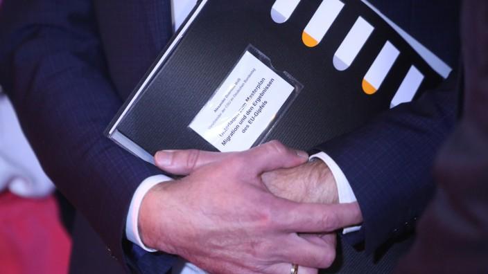 Unionskompromiss: Alexander Dobrindt hält am Masterplan der CSU fest.
