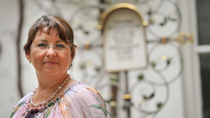 Sterben ohne Angehörige: Sigrid Diether kümmert sich um Bestattungen von Menschen, die einsam sterben.