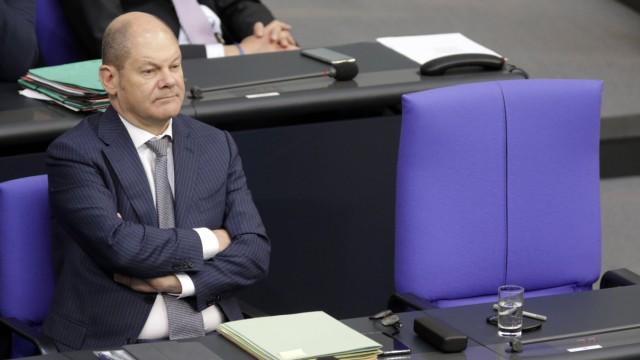 Olaf Scholz Bundesminister der Finanzen SPD auf der Regierungsbank im Deutschen Bundestag DEU B