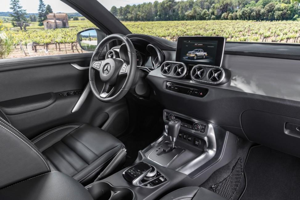 Mercedes X-Klasse Innenraum Interieur Cockpit