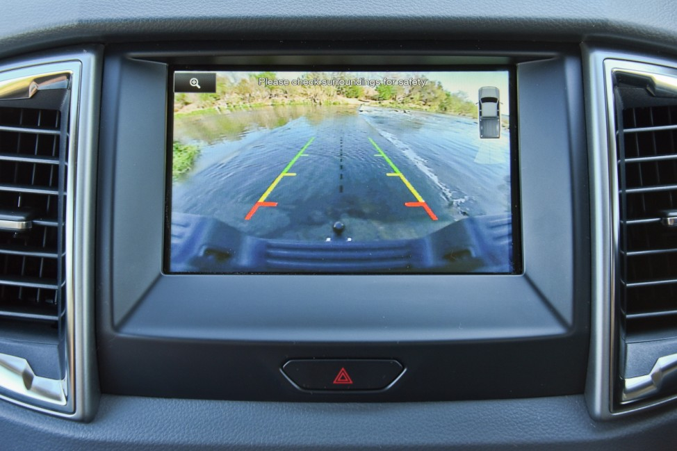 Ford Ranger Bildschirm Monitor Infotainment Rückfahrkamera