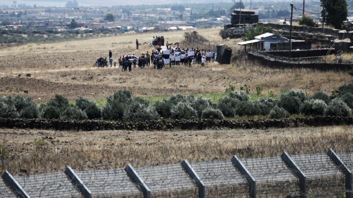 Syrische Vertriebene protestieren an der Grenze zu Israel