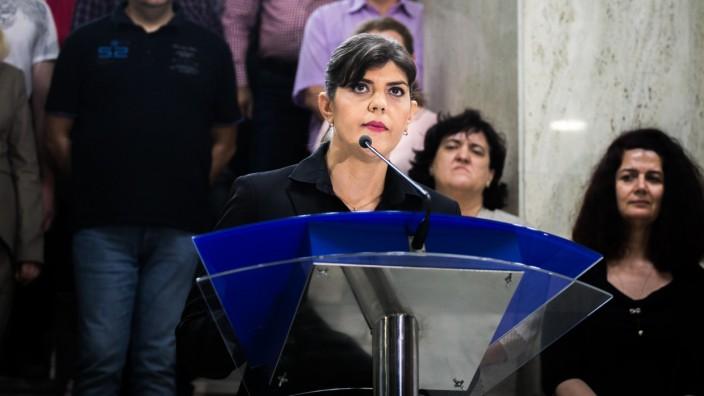 Rumänien: Laura Codruta Kövesi spricht vor der Presse
