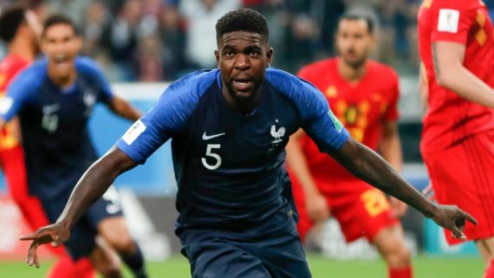 Frankreichs Samuel Umtiti nach dem Führungstor im WM-Halbfinale gegen Belgien