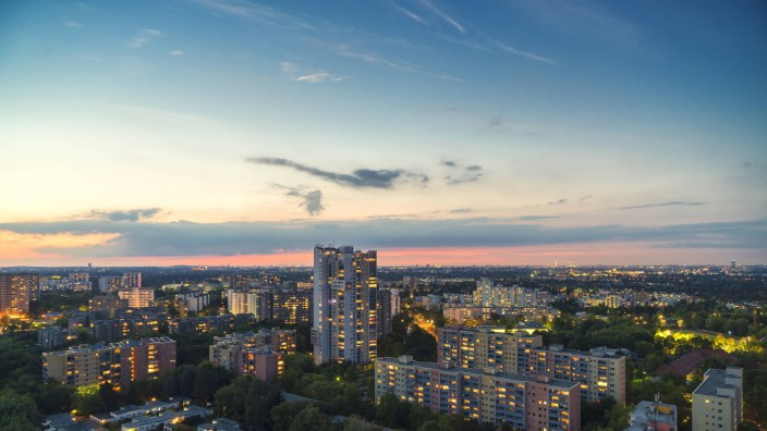 Germany Berlin view to lighted residential area at Rudow PUBLICATIONxINxGERxSUIxAUTxHUNxONLY TAMF0