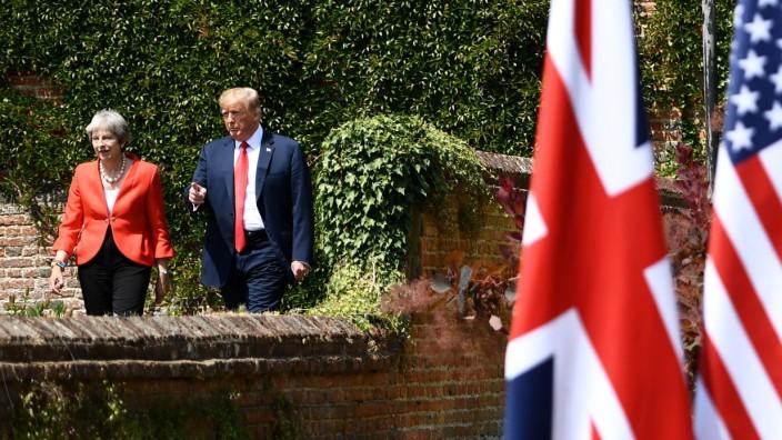 US-Präsident Donald Trump mit Großbritanniens Premierministerin Theresa May 2018 in England.