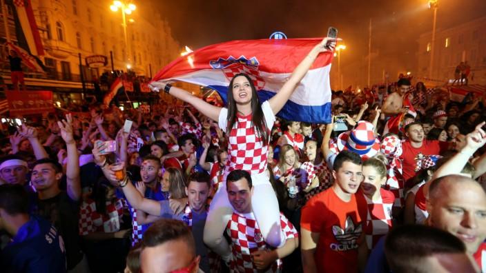 Soccer Football - World Cup - Quarter Final - Russia vs Croatia